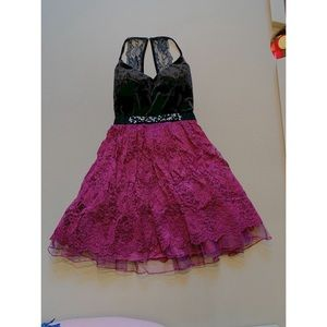 MAROON LACE BLACK VELVET HOMECOMING FORMAL DRESS!!